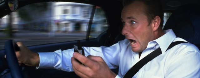 Do-not-use-mobile-phone-while-driving